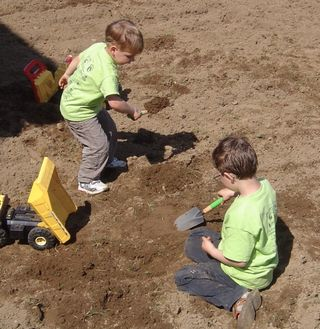 Boysdigging